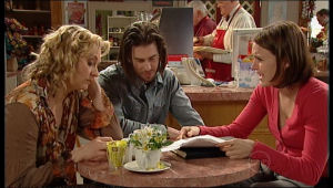 Pepper Steiger, Dylan Timmins, Rosie Cammeniti in Neighbours Episode 5137