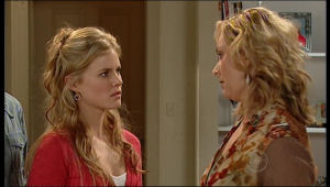 Janelle Timmins, Elle Robinson in Neighbours Episode 5137