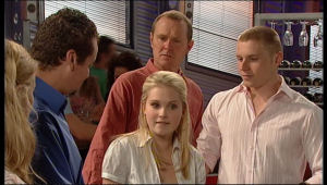 Elle Robinson, Toadie Rebecchi, Max Hoyland, Janae Timmins, Boyd Hoyland in Neighbours Episode 5140