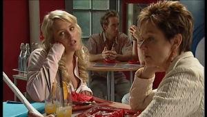 Pepper Steiger, Susan Kennedy in Neighbours Episode 5144