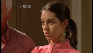 Louise Carpenter (Lolly), Lou Carpenter in Neighbours Episode 5145