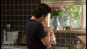 Stingray Timmins, Kerry Mangel (baby) in Neighbours Episode 5146