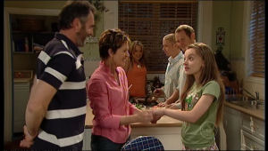 Susan Kennedy, Karl Kennedy, Max Hoyland, Steph Scully, Summer Hoyland, Boyd Hoyland in Neighbours Episode 5146