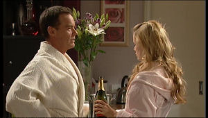 Paul Robinson, Elle Robinson in Neighbours Episode 5151