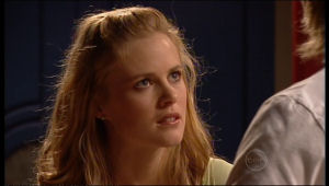 Elle Robinson in Neighbours Episode 5152