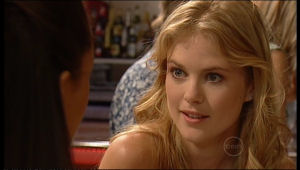 Elle Robinson in Neighbours Episode 5153