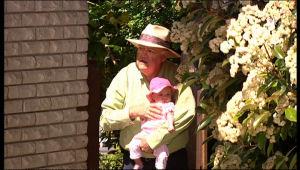 Harold Bishop, Kerry Mangel (baby) in Neighbours Episode 5154