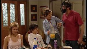 Rachel Kinski, Zeke Kinski, Susan Kennedy, Karl Kennedy in Neighbours Episode 5155