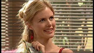 Elle Robinson in Neighbours Episode 5157