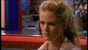 Elle Robinson in Neighbours Episode 5159