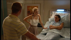 Boyd Hoyland, Glenn Forrest, Elle Robinson in Neighbours Episode 5163