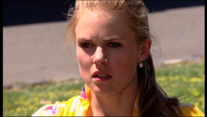 Elle Robinson in Neighbours Episode 5166