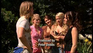 Oliver Barnes, Elle Robinson, Rosie Cammeniti, Pepper Steiger, Carmella Cammeniti in Neighbours Episode 5172