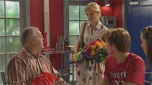 Elle Robinson, Harold Bishop, Ringo Brown, Louise Carpenter (Lolly) in Neighbours Episode 5176
