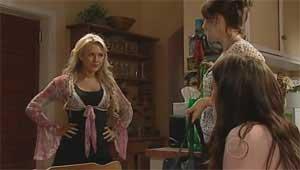Pepper Steiger, Rosie Cammeniti, Carmella Cammeniti in Neighbours Episode 5176