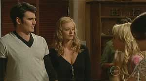 Frazer Yeats, Milly Hallsworth, Pepper Steiger, Rosie Cammeniti in Neighbours Episode 5177