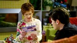 Susan Kennedy, Ben Kirk  in Neighbours Webisode Christmas Crackers/Summer Stories 1