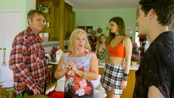 Gary Canning, Sheila Canning, Uncle Keith, Xanthe Canning, Kylie Canning, Ben Kirk  in Neighbours Webisode Christmas Crackers/Summer Stories 1