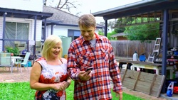 Sheila Canning, Gary Canning  in Neighbours Webisode Christmas Crackers/Summer Stories 1